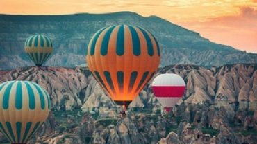 Hot-air-balloon-tour
