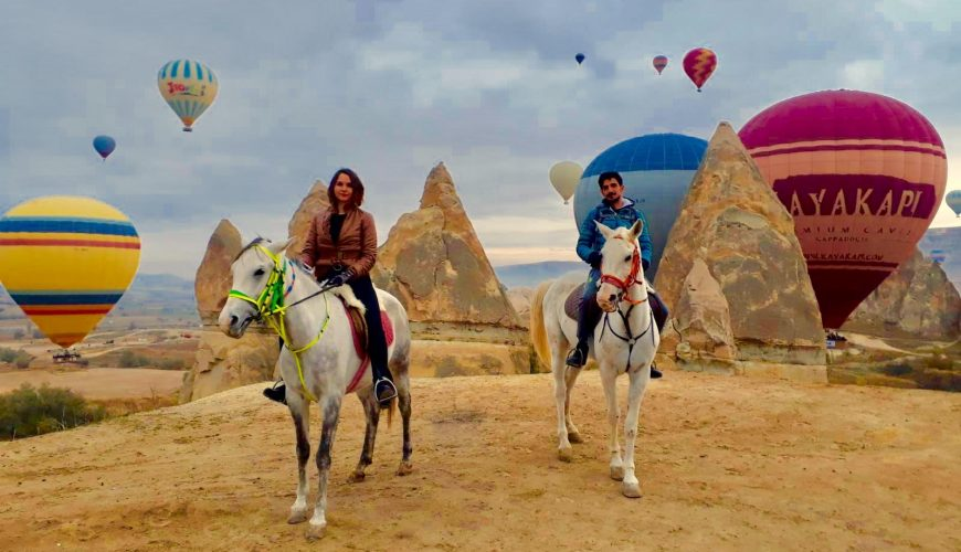 sunrise horseback riding tour cappadocia